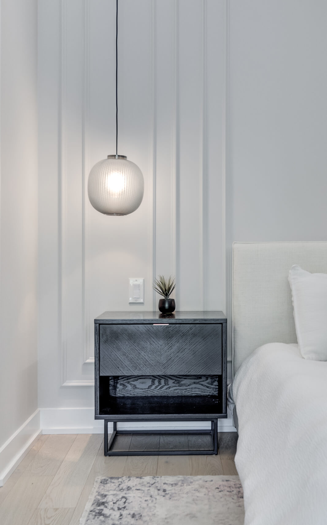 5-Wolfe_ID_Portfolio_Upper_Beaches_Residence_Bedside_Table