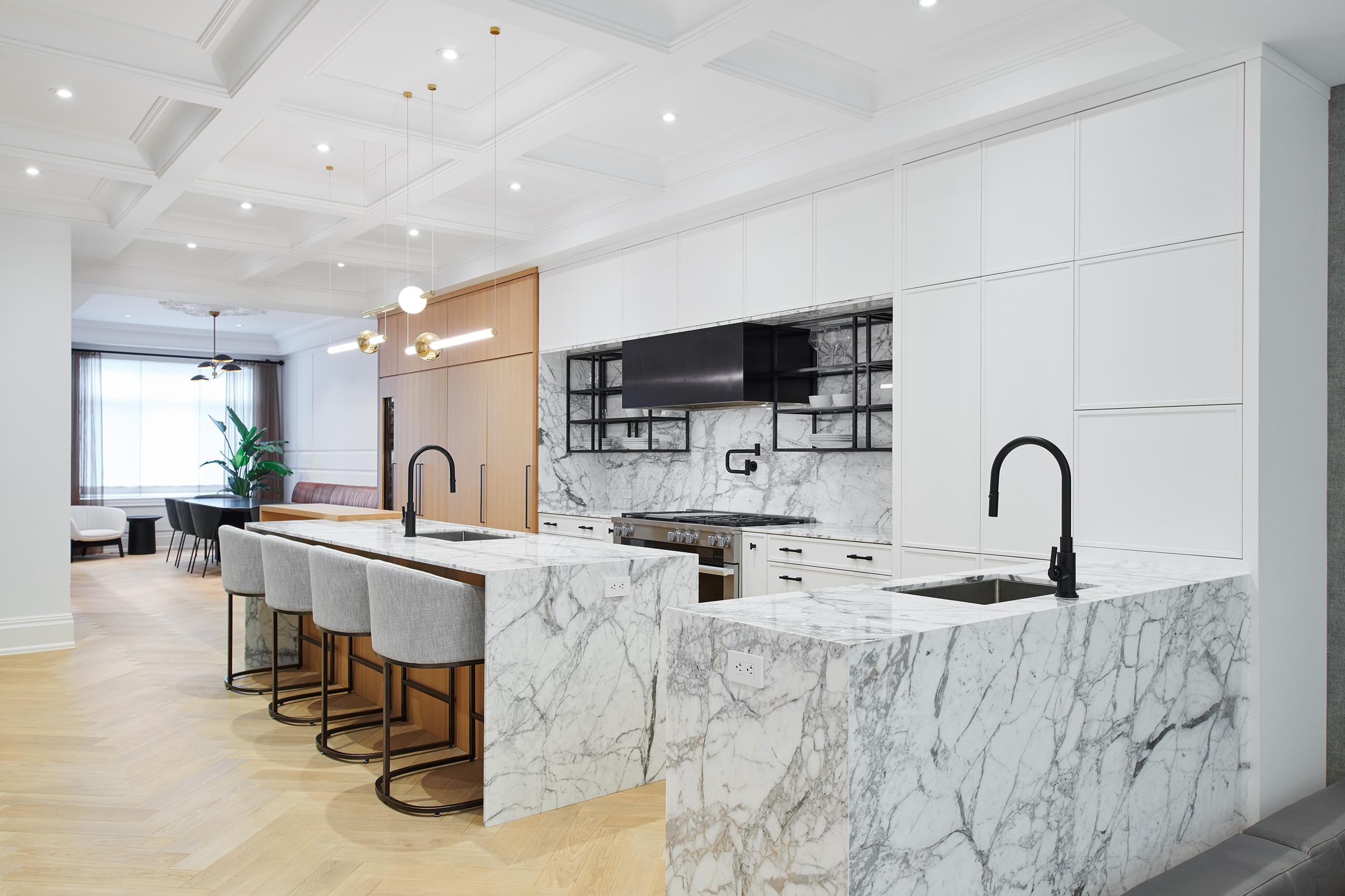 3-Wolfe_ID_Portfolio_Yorkville_Mansion_Kitchen
