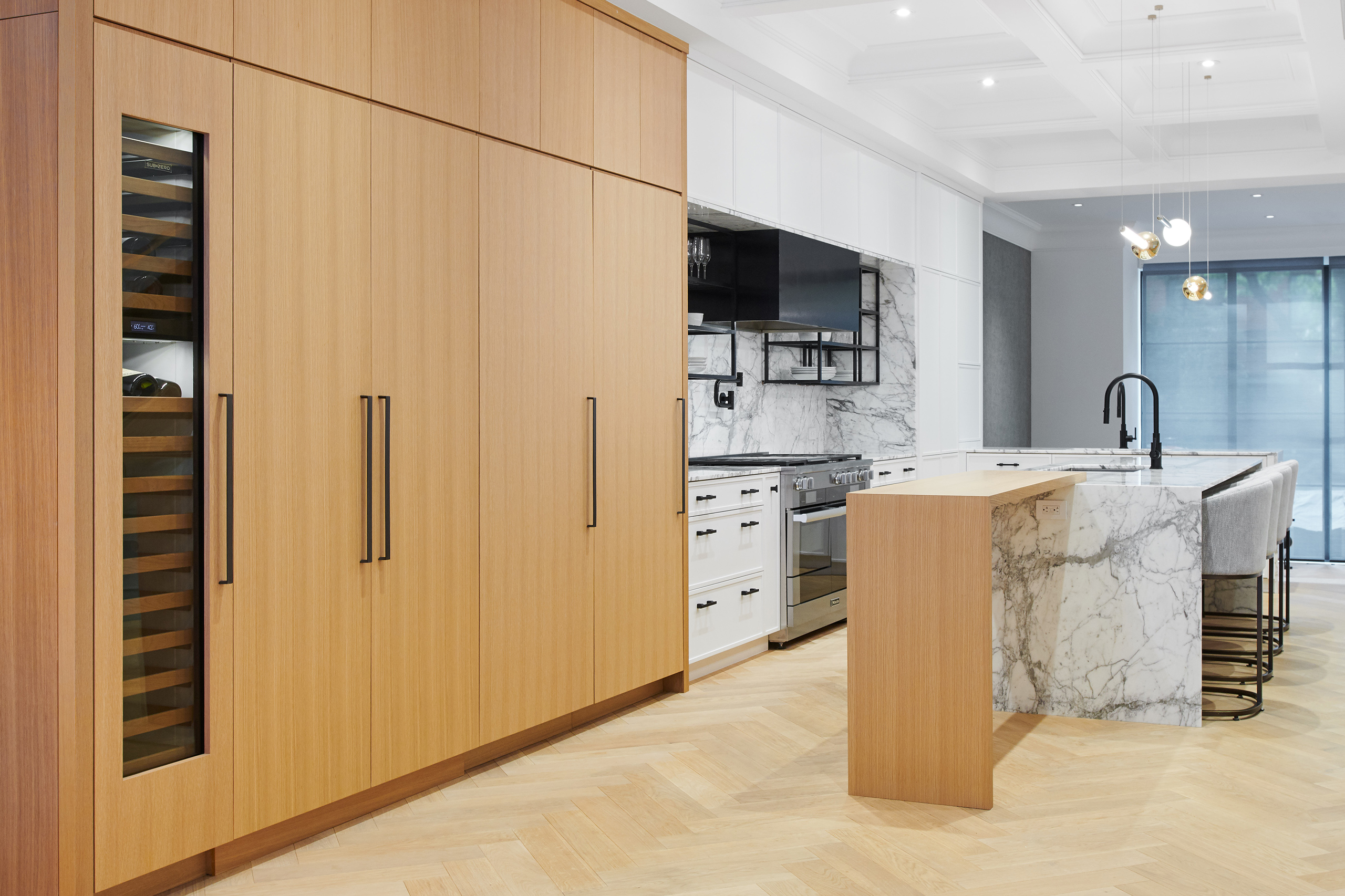 4-Wolfe_ID_Portfolio_Yorkville_Mansion_Kitchen_Cabinetry