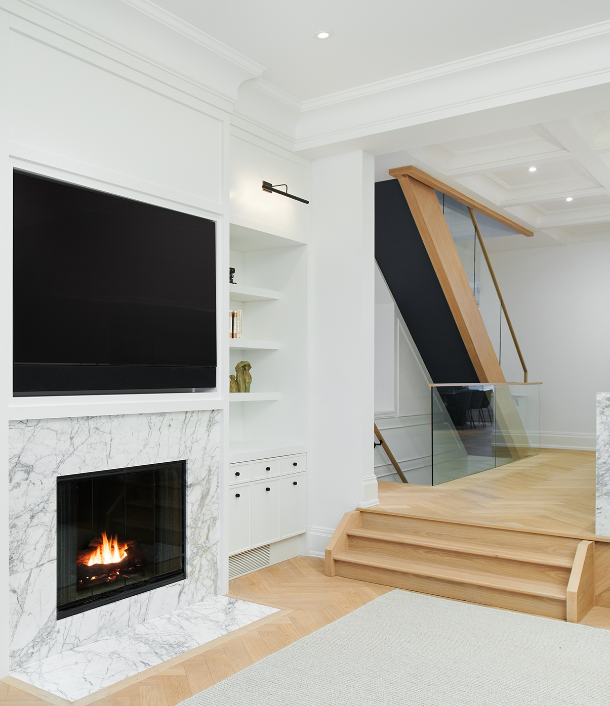 7-Wolfe_ID_Portfolio_Yorkville_Mansion_Fireplace_and_Staircase