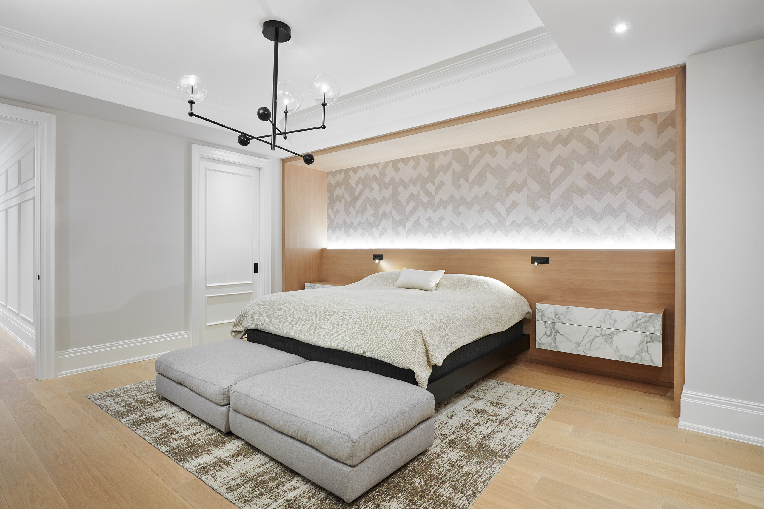 8-Wolfe_ID_Portfolio_Yorkville_Mansion_Bedroom